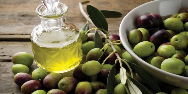 オリーブオイルの効能を存分に引き出すための7つのレシピ・使い方