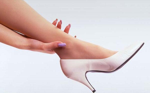 もう痛くない!お気に入りの靴のサイズを足に合わせる7つの方法