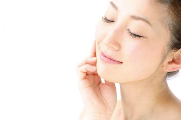 長年の肌荒れを治すには?民間療法による治療法とその効果