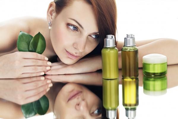 大人ニキビの原因は何?化粧水や身近な物でできる対策とは